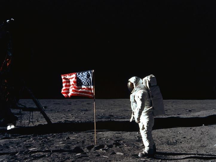 Apollo 11 astronaut 1600x1200
