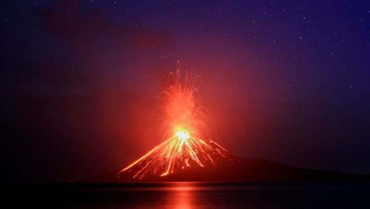 Volcan-krakatoa-2